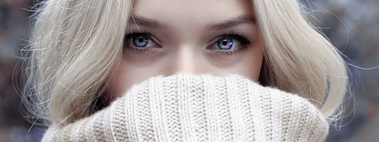 Woman-Pretty-Eyes-Sweater-1280x480